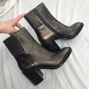 Frye Metallic Leather Pia Chelsea Short Boots Sz 7